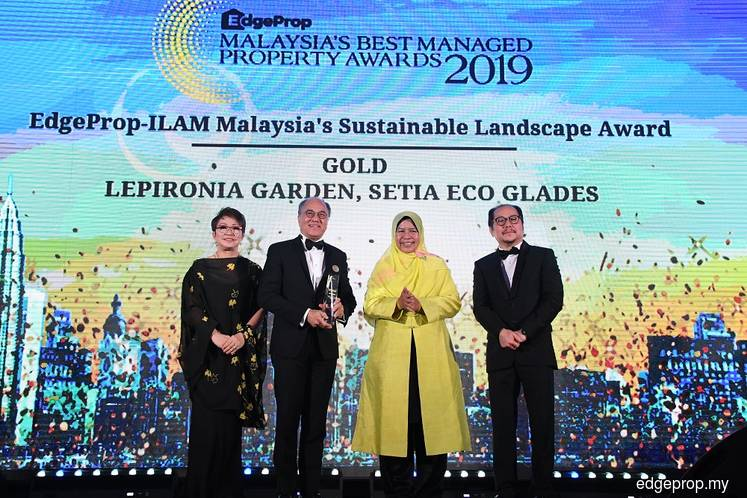 S P Setia gets the Gold award for its beautiful landscape at Lepironia Garden