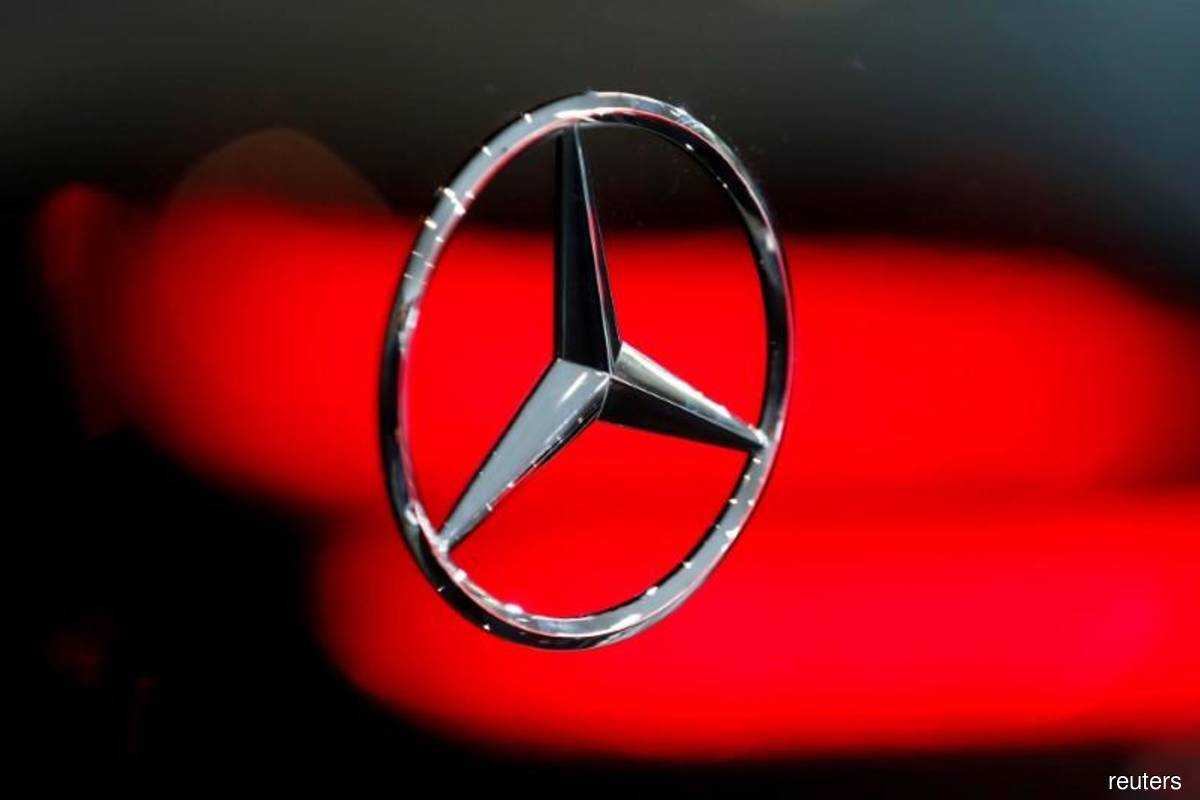 US imposes US$30m penalty on Daimler for delayed truck recalls