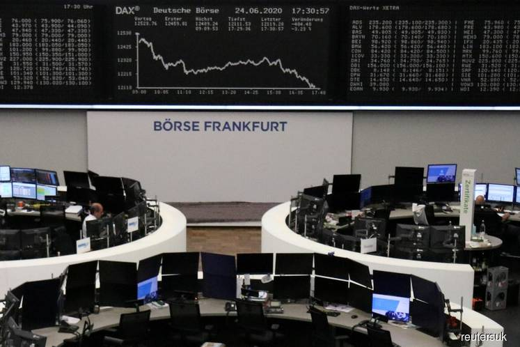 Deutsche Boerse says software glitch caused trading outage