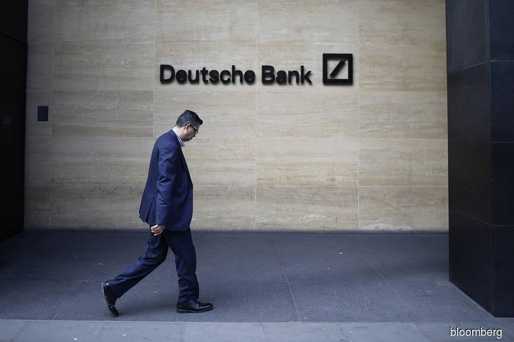 Deutsche Bank, UniCredit start Brexit swaps move from London