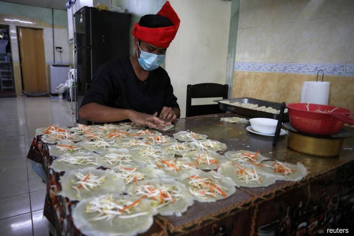 Eateries allowed to operate until 6am during Ramadan — Ismail Sabri