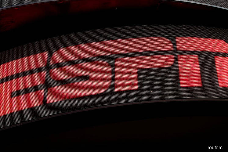 ESPN asks highest-paid TV personalities to take 15% pay cut