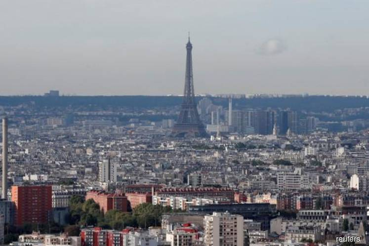 Paris back to normal after police quell `yellow vests' protest