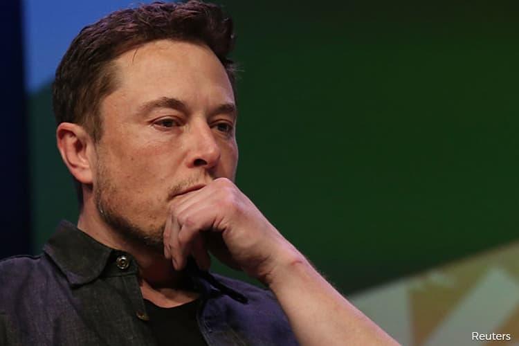 Musk Says `Hard to Be Profitable' as Tesla Fleet to Grow 60-80%