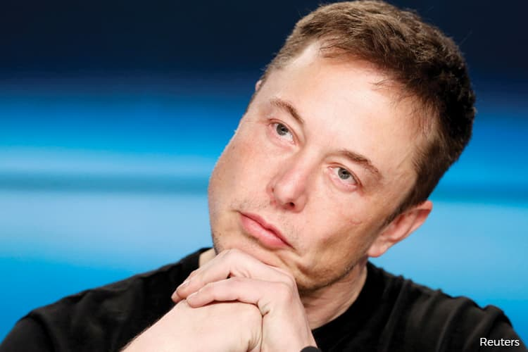 Elon Musk raises red flags on Wall Street