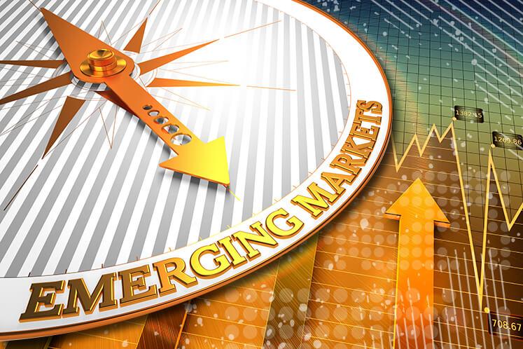 EM stocks fall as recession fears grow