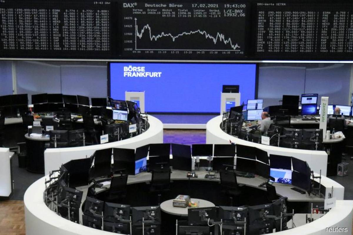 European stocks mark longest weekly winning streak since November 2019