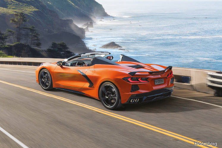 Chevrolet sends hard-top convertible Corvette into market headwinds