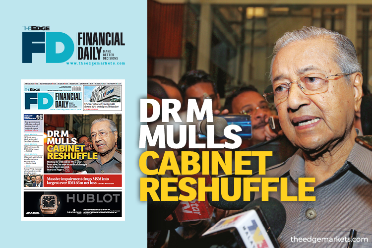 Dr Mahathir mulls cabinet reshuffle
