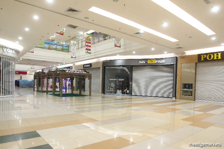 While mall owners and the Malaysia Shopping Malls Association had yet to announce their strategies for the current difficult period, it is believed the landlords will offer rental rebates on a case-by-case basis. (Photo by Patrick Goh)
