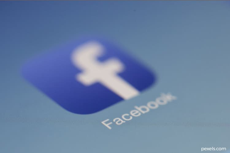 Facebook to plow $5.7 billion in Ambani's Jio wireless platforms