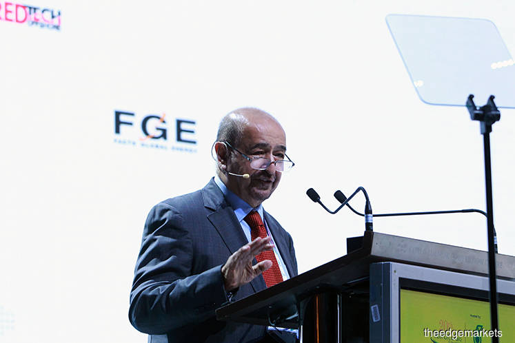 LNG glut: Fesharaki says there is 'traffic jam with no policeman' in the market