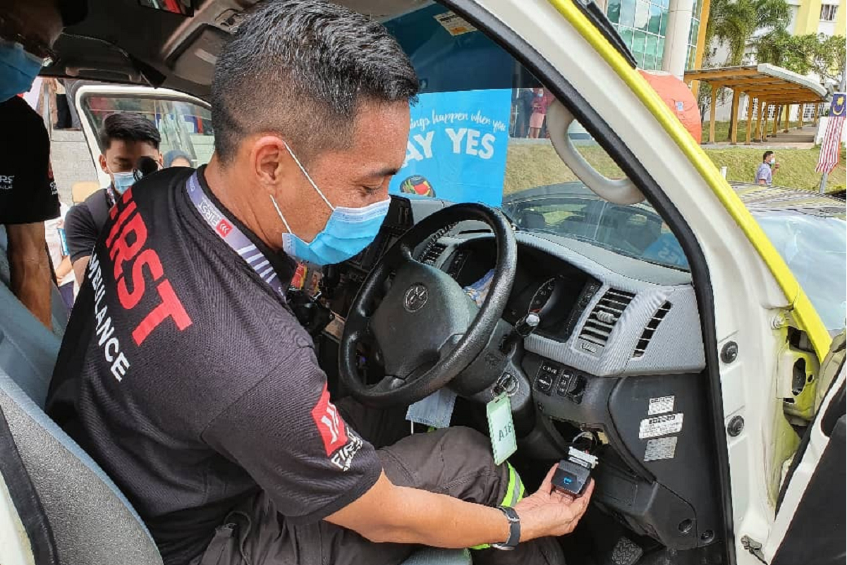 First Ambulance teams up with YES to offer nation's first private smart ambulance service