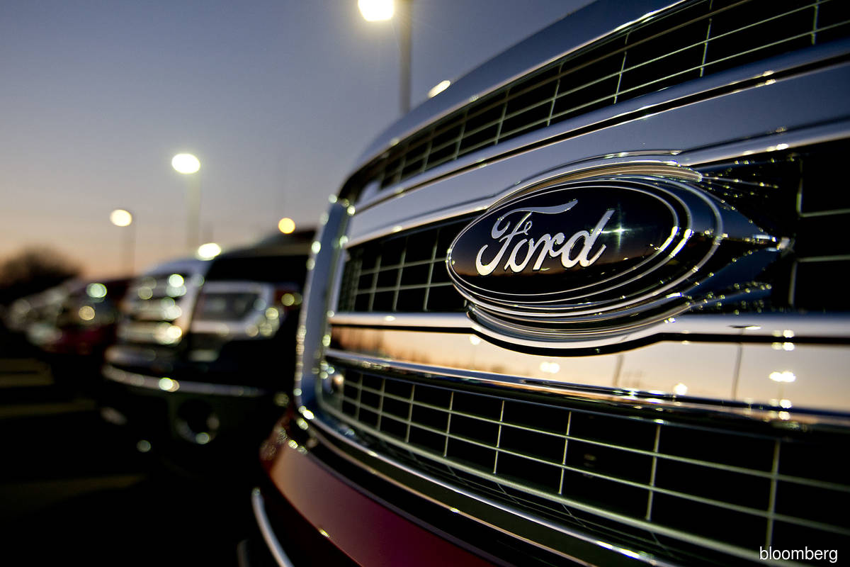 Ford partly assembling some vehicles, idling two plants due to chip shortage