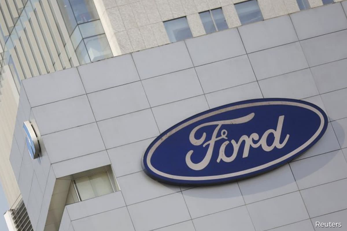 Ford recalls 661,000 Explorer SUVs in North America