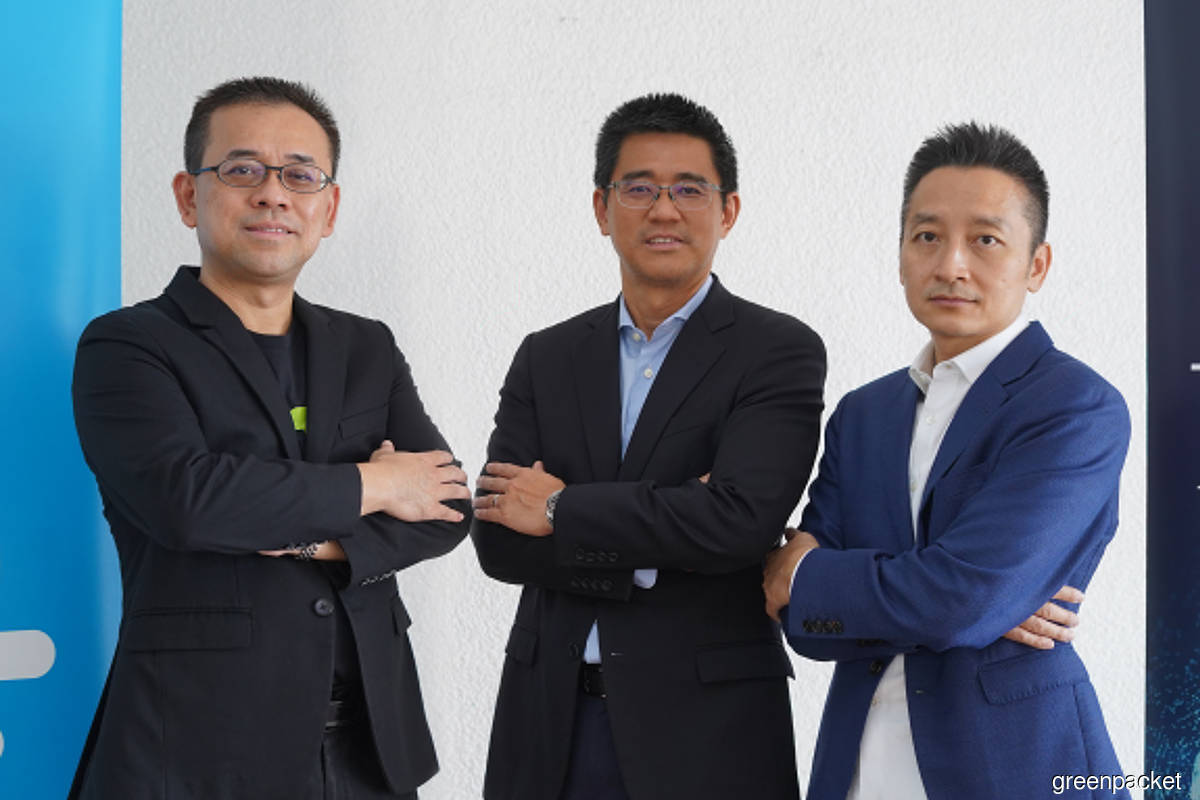 Green Packet key new appointments: (From left to right): Dr James Tee, Ku Kok Peng & Andrew Tan. (Photo credit: Green Packet)