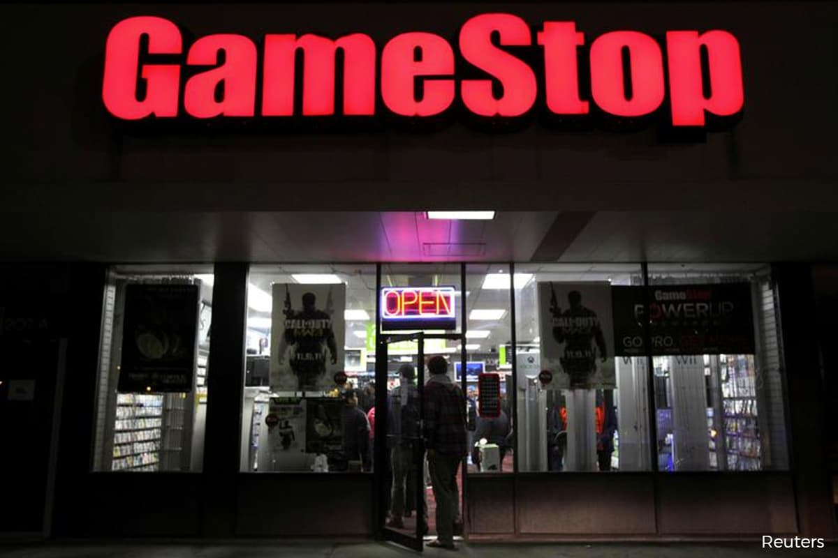 GameStop CEO forfeits US$98 million in stock after missing targets