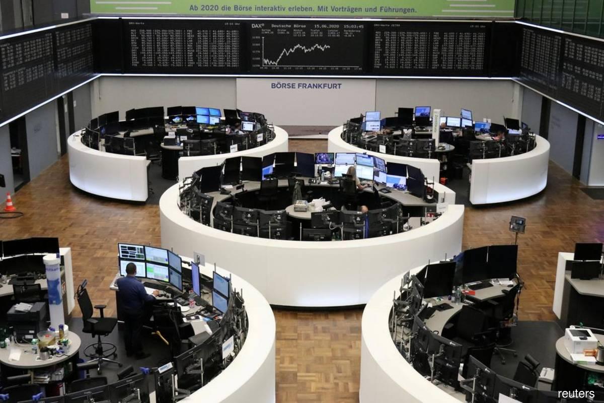 Weak German business morale, vaccine delays push European stocks to 2-week low
