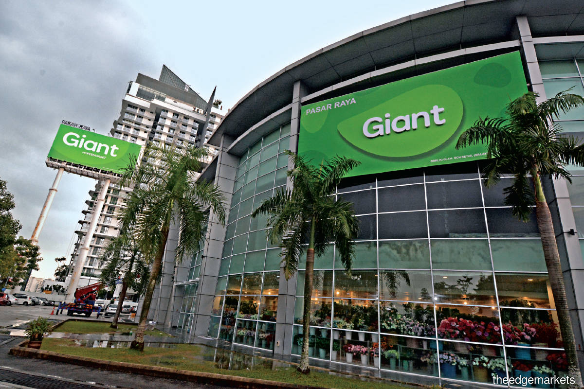 Giant's new green, mango-shaped logo to reflect a contemporary and modern brand as well as a refreshed look and feel. (Photo by GCH Retail)