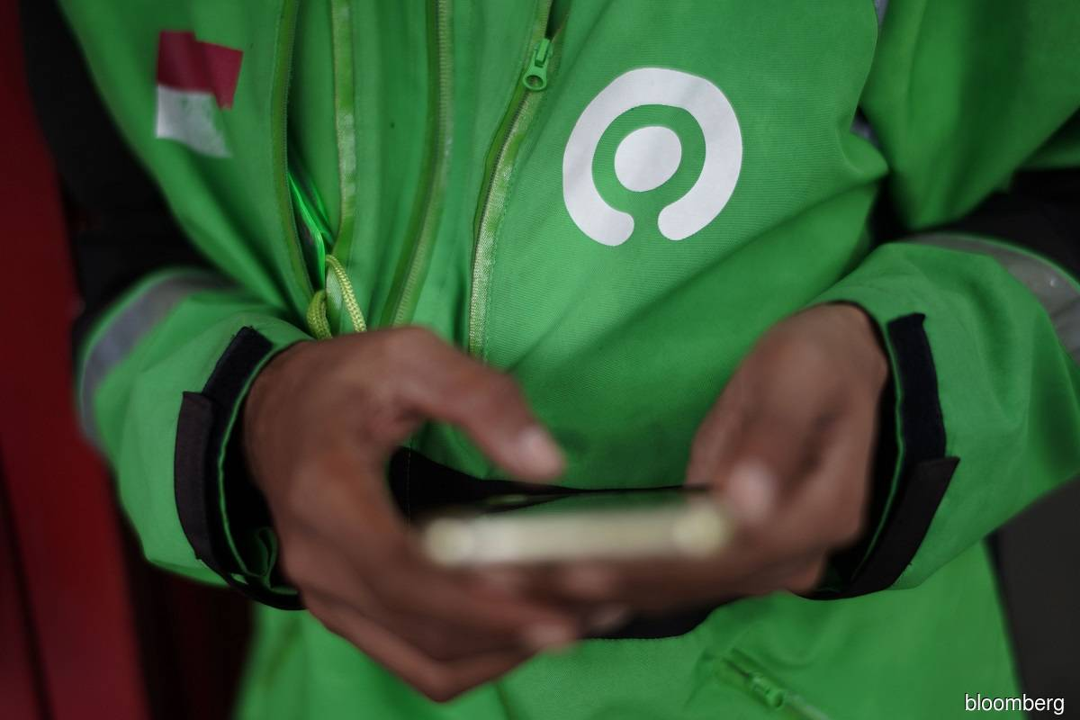 Gojek-backed lender races to upend mobile banking in Indonesia