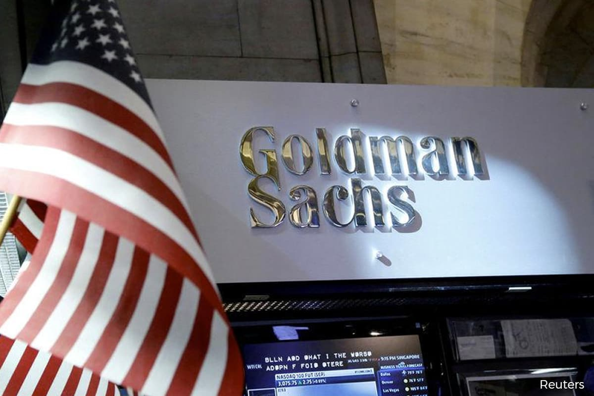 Goldman axes short dollar call as higher US yields spoil bet