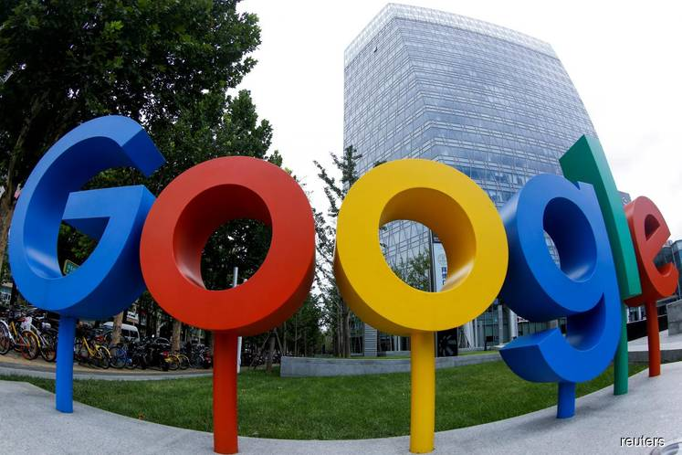 Google's US workforce grew more Asian, less white and male