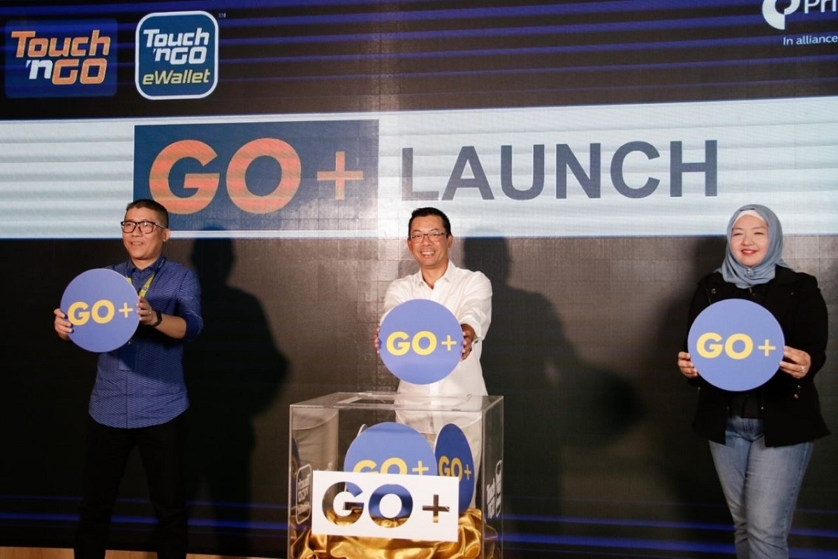 (From left): TNG Digital CEO Ignatius Ong, Effendy and Principal Asset Management CEO Munirah Khairuddin at the launch of GO+.