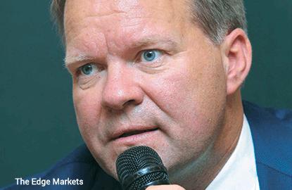 Carlsberg expects tough year ahead