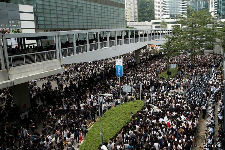 Twitter, Facebook Say China Used Fake Accounts to Target Hong Kong Protests