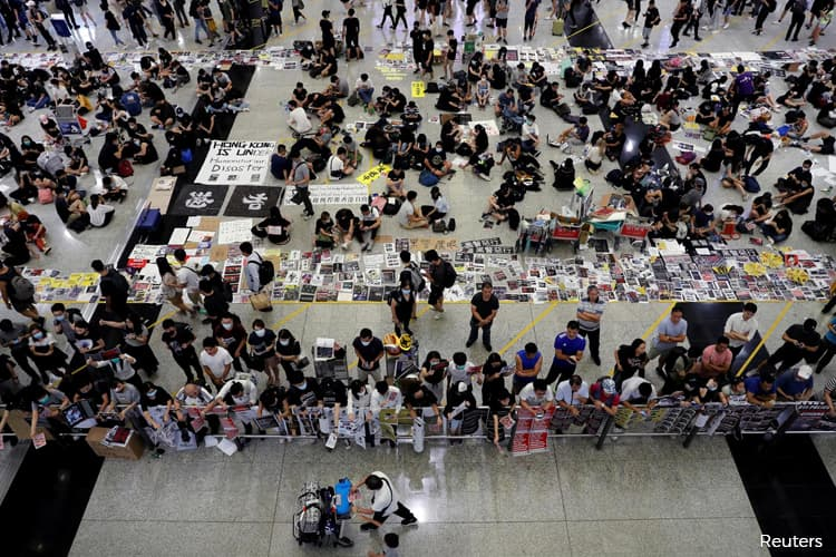 HK airport says it has injunction to stop protesters obstructing operations