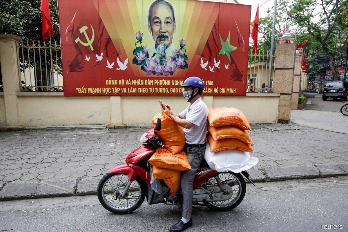 Vietnam to evacuate 80,000 people from Danang after virus outbreak