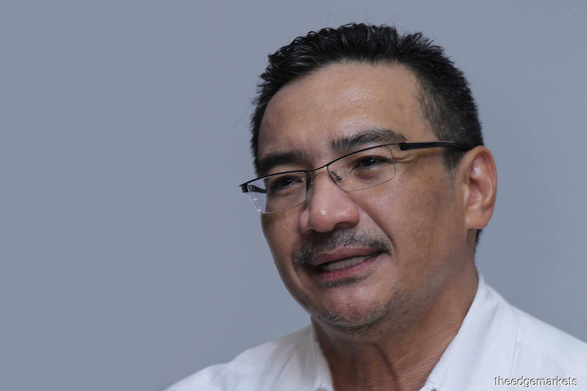 Hishammuddin calls for end to infighting in UMNO