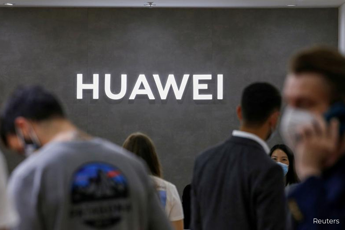 Huawei to sell Honor brand to consortium of agents and dealers in bid to save supply chain