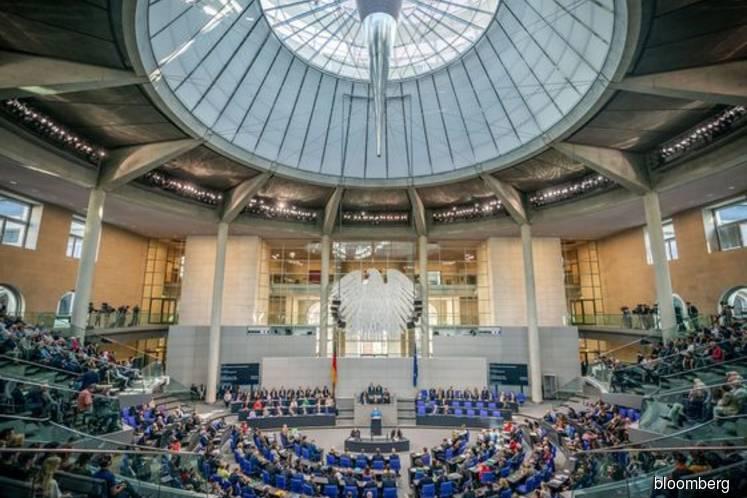 Angela Merkel tells IMF lack of money not Germany's problem