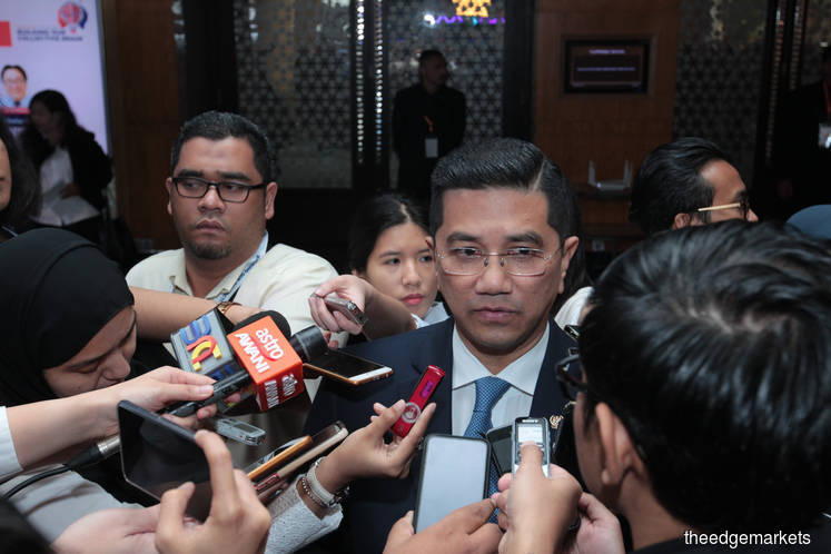 Let Dr M complete 5-year term as PM — Azmin