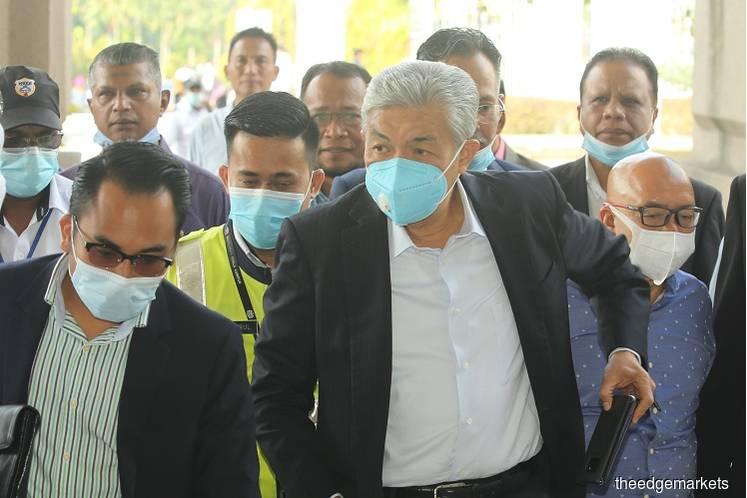 Datuk Seri Ahmad Zahid Hamidi at the Kuala Lumpur Courts Complex today. (Photo by Mohd Suhaimi Mohamed Yusuf/The Edge)