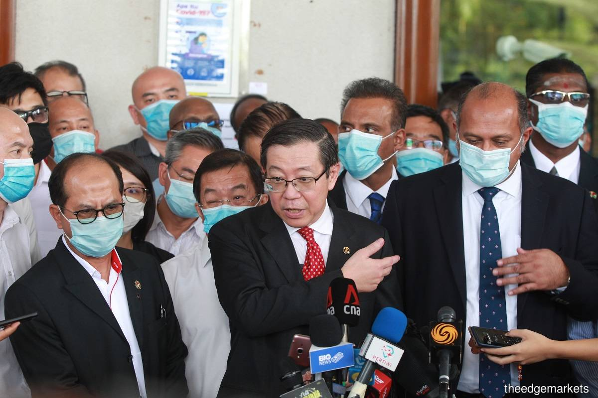Former finance minister Lim Guan Eng at a press conference at the Kula Lumpur Court Complex on Aug 7. (Photo by Mohd Suhaimi Mohamed Yusuf/The Edge)