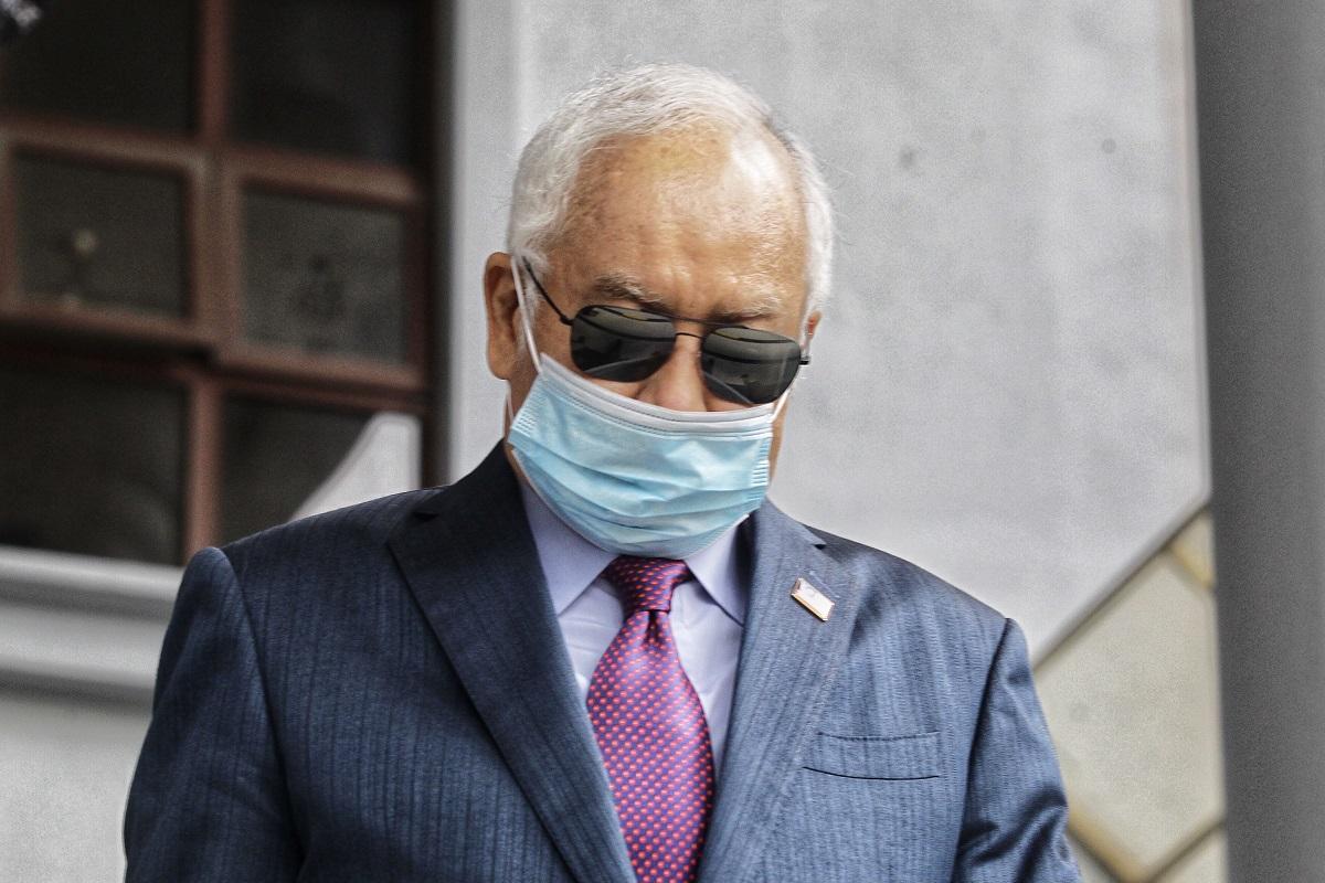 Najib at the Kuala Lumpur Court Complex on May 27. (File photo by Zahid Izzani Mohd Said/The Edge)