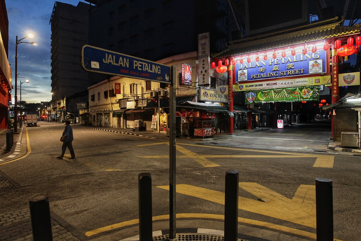 All shops in Jalan Petaling closed at 8pm due to MCO 3.0. (Photo by Zahid Izzani Mohd Said/The Edge)
