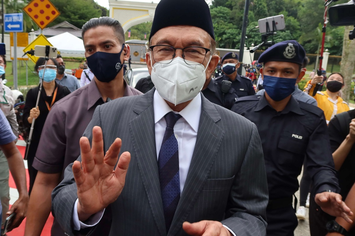 Anwar: This issue must be expedited as the Pandora Papers report is now available to the whole world and requires an explanation from the government, to clear the name of the government of Malaysia from accusations and claims [that it] protects Malaysian citizens if [they are] involved in any wrongdoing over international financial transactions, and to provide the space for the government and those named to provide an explanation. (File photo by Zahid Izzani Mohd Said/The Edge)