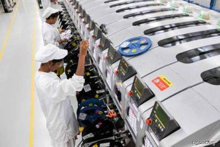 iPhone makers suspend India production due to lockdown