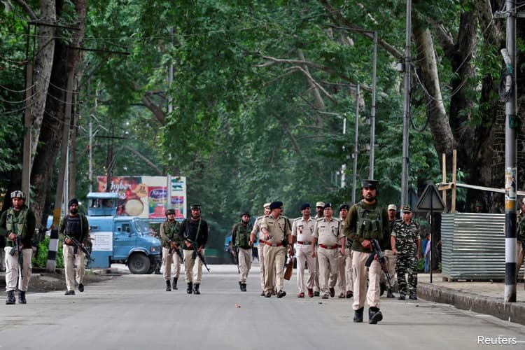 India to ease clampdown in Jammu and Kashmir in next few days