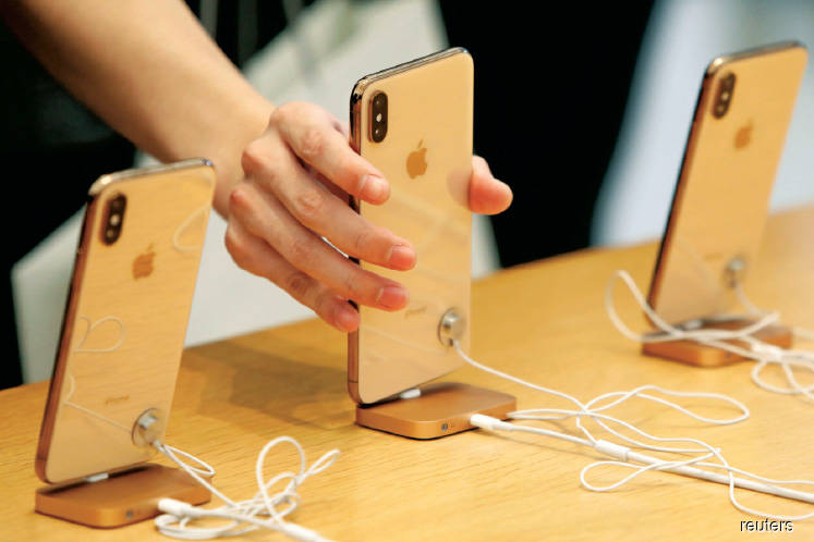 Falling iPhone sales dampen sentiment on semicon counters