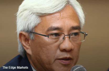 Axiata faces challenges to meet 4% growth target