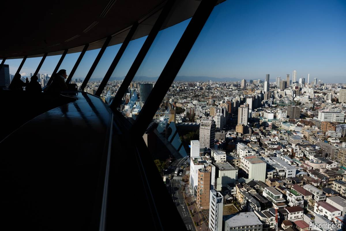 Japan bans foreigners from entry after Covid-19 variant lands in Osaka