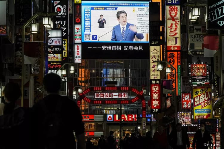 Shinzo Abe Expands State Of Emergency To All Of Japan