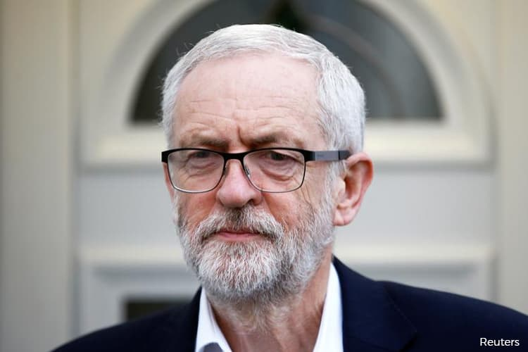U.K.'s Corbyn Plans Caretaker Government to Block No-Deal Brexit