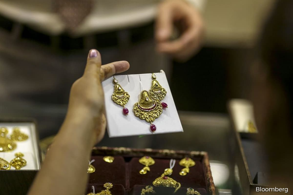 Jewellers jump on renewed chase for gold