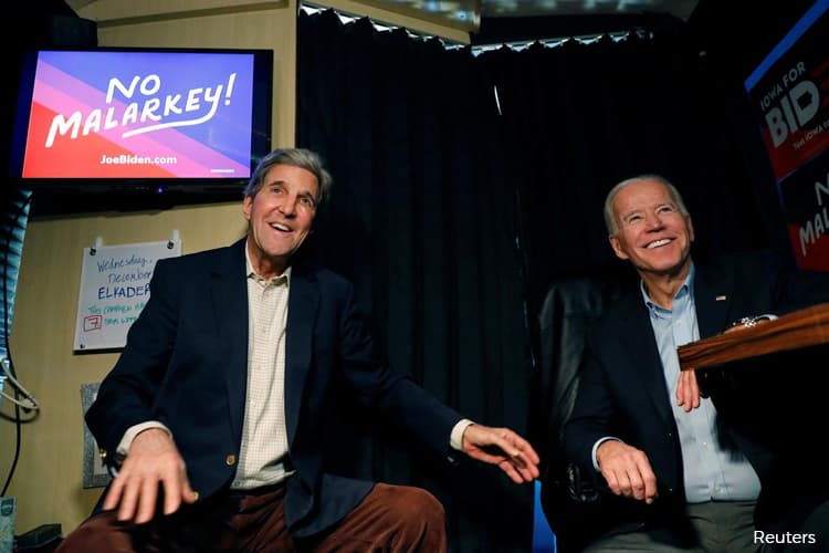 John Kerry Rallies With Joe Biden, Evoking Some 2004 Parallels