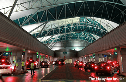 Singapore immigration stops Malaysians trying to beat checkpoint jam